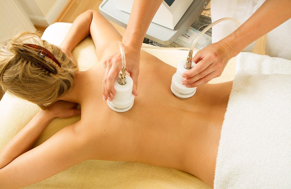 Behandlung des Rücken mit Pneumatischer Therapie